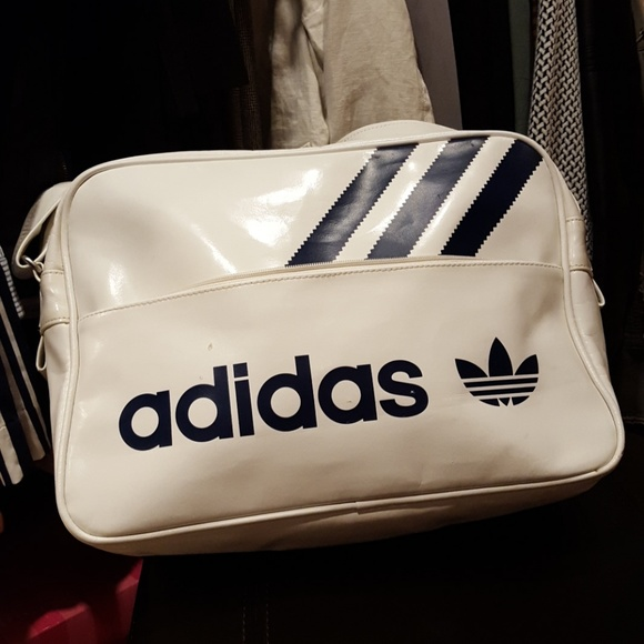 0e5b91a5295a adidas Other - Adidas Vintage Airliner Bag